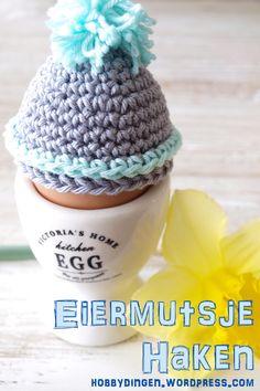 Eiermutsje pattern by Hobbydingen Crochet Egg Cozy, Crochet Easter, Easter Crochet Patterns, Crochet Gifts, Diy Crochet, Crochet Decoration, Easter Gift, Crochet Accessories, Tatting