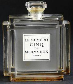 Rene Lalique Perfume Bottle Le Numero Cinq for Molineux, circa 1926