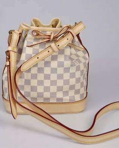 http://www.ahandbag.se/purse/handbags/louis-vuitton-noe-bb-damier-azur-n41220/