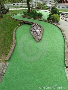 Golf Putting Green, Backyard Putting Green, Golf Green, Outdoor Mini Golf, Outdoor Toys, Outdoor Games, Golf Club Art, Putt Putt Golf, Golf Push Cart