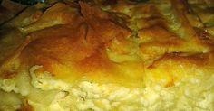 Εξαιρετική σε γεύση και εμφάνιση,   με καλής ποιότητας πικάντικη φέτα και ανθότυρο,    ξεχειλίζει άρωμα και νοστιμιά!      Υλικά:     ... Greek Cooking, Cooking Time, Cooking Recipes, Crockpot, Greek Pastries, Greek Dishes, Sandwiches, Chicken Parmesan Recipes, Greek Recipes