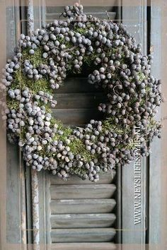 Date roof wreath @ www.nl, Date roof wreath @ www. Wreaths And Garlands, Flower Garlands, Door Wreaths, Easter Wreaths, Christmas Wreaths, Christmas Decorations, Holiday Decor, Lavender Wreath, Wedding Wreaths