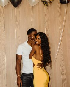 Black Relationship Goals, Couple Goals Relationships, Couple Relationship, Black Love Couples, Cute Couples Goals, How To Pose For Pictures, Couple Pictures, Couple Photoshoot Poses, Couple Posing