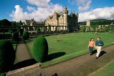 Abbotsford, the home of Sir Walter Scott. A breathtaking place to visit located on the banks of the River Tweed in the glorious Scottish Borders. Homeland, Scotland, Dolores Park, Places To Visit, Home And Garden, England, Culture, Manor Houses, Dream Houses