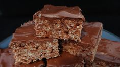 A wonderful recipe this nutella rice krispies treats recipe for squares , I really love this recipe a great one to share with family and friends at a party Rice Krispy Treats Recipe, Rice Krispie Treats, Reis Krispies, Hazelnut Spread, Nutella Recipes, Easter Recipes, Easter Food, Chocolate Hazelnut, Baking Recipes