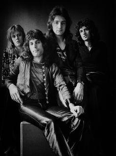 Queen Photos, Queen Pictures, Queen Freddie Mercury, Queen Band, John Deacon, Queen Drummer, Queen Brian May, Roger Taylor Queen, Queens Wallpaper