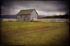 Shaker barn, Pittsfield, Mass. >> Near where I grew up!