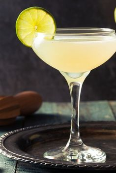 Rum Cocktails That'll Impress Your Friends At Your Next Party Frozen Daiquiri, Daiquiri Cocktail, Cocktail Drinks, Cocktail Recipes, Dark Rum Cocktails, Refreshing Cocktails, Fun Cocktails, Alcoholic Iced Tea, Recipes