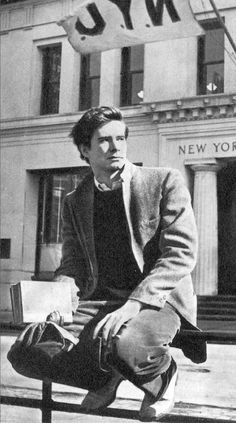 Anthony Perkins, 1957 Oh, the prime... A tad skinny for my liking, but good lord I was born in the wrong decade.