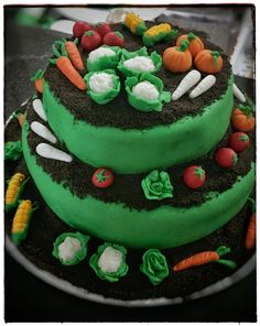 Working with Fondant: Vegetable Patch Cake   Peace of Bake