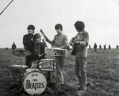 The The Beatles (Paul McCartney , Ringo Starr , John Lennon , George Harrison) Filming Salisbury Plain, The Beatles Help, Do Exercise, Ringo Starr, George Harrison, Paul Mccartney, John Lennon, Black Backgrounds, The Help