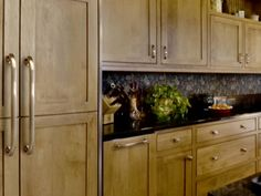 kitchen cabinets knobs and pulls | Choosing Kitchen Cabinet Knobs, Pulls and Handles : Home Improvement ...