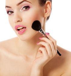 Create a healthy glow with Pink Papaya's Coral Sun Mineral Blush, OUR FAVORITE for Spring! www.pinkpapayaparty.com/molly