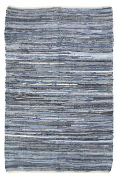 Denim rug HKliving of different colors blue white gray katoen.De colors vary per carpet.