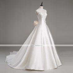 Lanting novia una línea de vestido de boda del tren-catedral de satén con cuello alto / tul 4980599 2016 – €195.99