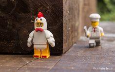 Duckman on the run Lego Jokes, Lego Humor, Deco Lego, Lego Poster, Pokemon Lego, Legos, Lego Hacks, Lego Pictures, Funny Pictures