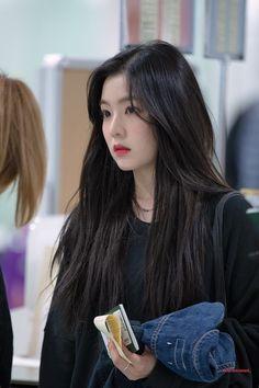 - Incheon Airport --> New Chitose(Japan) Airport Seulgi, Red Velvet Irene, Ulzzang Girl, South Korean Girls, Beautiful Asian Girls, Beautiful Pictures, Girl Crushes, Kpop Girls, My Girl