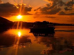 Sunset in Lake Pamvotis, Ioannina, Greece / Photo taken by Michael Vakaros