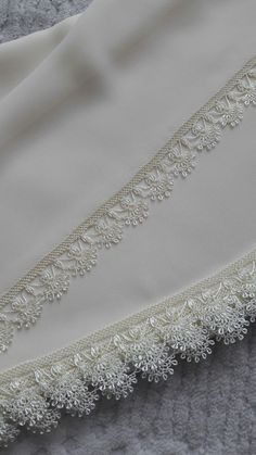 Beautiful White Prayer Cloth Needlework Lace Models From Each Other - Knitting Filet Crochet, Crochet Lace Edging, Crochet Borders, Knit Crochet, Boho Crochet, Baby Knitting Patterns, Knitting Stitches, Embroidery Patterns, Hand Embroidery