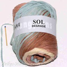 Garne, Knitted Hats, Winter Hats, Knitting, White Cardigan Sweater, Breien, Tricot, Stricken, Weaving