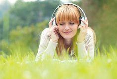 Raus aus dem Herbst Blues mit diesen 8 Tipps! | gesund.at Medizinische Studien beweisen, was wir längst wissen: Die richtige Musik ist ein Gute-Laune-Macher. Wählen Sie gegen Herbst-Blues am besten Melodien, die Sie an einen warmen Sonnentag am Strand erinnern.
