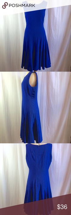 Ellen Tracy Blue Flare Flute Hem Sheath Dress sz 8 Ellen Tracy Blue Flare Flute Hem Sheath Dress sz 8. Perfect for work or any occasion to look fabulous.  Back Zip.  Fully Lined.  Gorgeous Color.  Approx Measurements in inches:Bust:36 Waist:30 Hip:40 Length: 40 .  Sku#519107126-15. Ellen Tracy Dresses