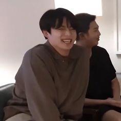Jungkook Smile, Jungkook Cute, Dream Boy, Googie, Bts Group, Bts Photo, Bts Boys, Seokjin, In This Moment