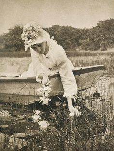 Photographer; Wasserlilien, 1894