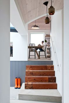 Those steps. That ceiling. I die. #interiordesign #modern