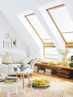Wohnen unter dem Dach: Mit diesen Ideen wird es schön Living under the roof: With these ideas it will be nice House Inspiration, House Styles, Home And Living, House, Loft Room, Interior Design, Home Decor, House Interior, Living Spaces