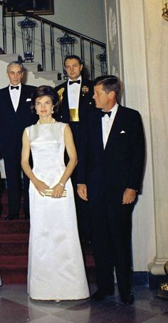 Nadire Atas on Jacqueline Kennedy Onassis JFK and Jackie Jfk And Jackie Kennedy, Jackie Oh, Jaqueline Kennedy, Los Kennedy, Robert Kennedy, Celebrities Then And Now, The Victim, Lee Radziwill, History