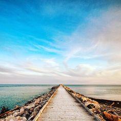 30 activités que tu dois faire en Gaspésie, pour faire changement du Rocher Percé - Narcity Bas Saint Laurent, Explorer, Ottawa, Travelling, Travel Tips, Places To Go, Paradise, Destinations, Camping