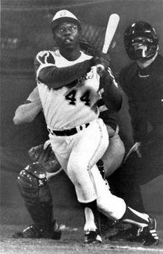 Hank Aaron sets new home run record | Apr 8, 1974.  Phuque Barry Bonds!