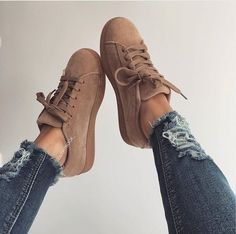 Trendy Shoes, Cute Shoes, Me Too Shoes, Casual Shoes, Fashion Mode, Fashion Boots, Dream Shoes, Shoe Closet, Louboutin Shoes