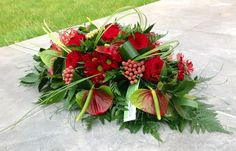 Home - Funeral Flowers Leicester Casket Flowers, Table Flowers, Red Flowers, Red Roses, Arrangements Funéraires, Funeral Flower Arrangements, Church Flowers, Funeral Flowers, Flower Centerpieces