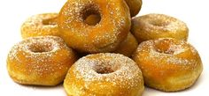 ADVERTISING Love the luscious glaze on the Krispy Kreme Doughuts? Here's a smashing copycat recipe that'll let you relish these delicious treats at the comfort of your home! 1200 Calorie Meal Plan, Keto Donuts, Cinnamon Sugar Donuts, 1200 Calories, Soy Wax Melts, Donut Recipes, Chia Pudding, Air Fryer Recipes, Frittata
