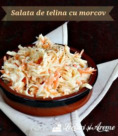 Salata de telina cu morcov si dressing de iaurt - o salata simpla, sanatoasa si usor de facut Cold Vegetable Salads, Vegetable Recipes, Vegetarian Recipes, Cooking Recipes, Healthy Recipes, Green Salad Recipes, Food Wishes, Good Food, Yummy Food