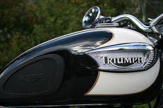 Triumph Bonneville Sun & Fun Motorsports 155 Escort LN, Iowa City, Iowa 319-338-1077