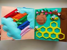 Diy Quiet Books, Baby Quiet Book, Felt Quiet Books, Infant Activities, Book Activities, Book Projects, Sewing Projects, Silent Book, Sensory Book