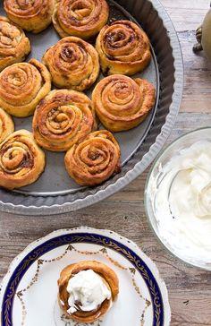 Low Carb Bread, Keto Bread, Low Carb Keto, Low Carb Sweets, Low Carb Desserts, Low Carb Recipes, Healthy Recipes, Comida Keto, Keto Cinnamon Rolls