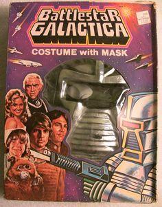 RARE Vintage Battlestar Galactica Cylon Halloween Costume Collegeville W/ Box Boxing Halloween Costume, Halloween Masks, Halloween Stuff, Halloween Decorations, Vintage Holiday, Vintage Halloween, The Mask Costume, Creepy Masks, 70s Tv Shows