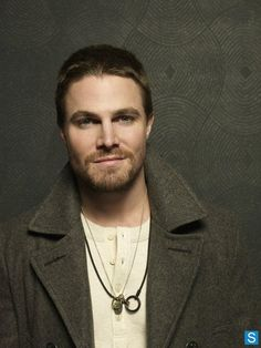 #Colares #necklace Stephen Amell - Parece usar Rust Miner rsss