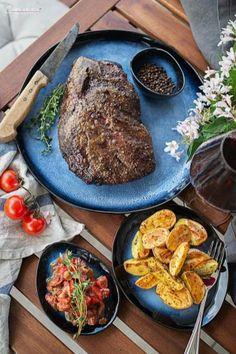 Steak, Bbq, Food, Barbecue Recipes, Perfect Roast Beef, Barbecue, Barrel Smoker, Essen, Steaks