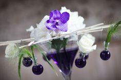 Mariage pluvieux mauve déco cocktail Cocktail, Wedding, Purple Wedding, Rainy Wedding, Love, Valentines Day Weddings, Weddings, Cocktails, Mariage