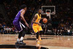 LA Lakers Honoring Flip Saunders At Tonight's Game