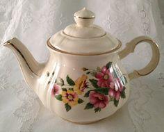 Vintage Floral Sadler Teapot