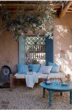 An Indian Summer: Couleur Locale An Indian summer: local color Outdoor Rooms, Outdoor Living, Outdoor Furniture Sets, Outdoor Decor, Exterior Design, Interior And Exterior, Indian Interior Design, Indian Interiors, Backyard Patio