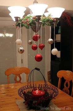 Christmas DIY: 50 Christmas Table D 50 Christmas Table Decoration Ideas Settings And Centerpieces For Christmas Table Noel Christmas, Christmas Projects, Winter Christmas, All Things Christmas, Holiday Crafts, Christmas Ornaments, Christmas Ideas, Hanging Ornaments, Christmas Kitchen