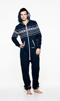 Home Must Have: OnePiece Lusekofte Navy – Jump In