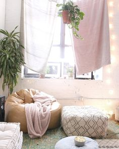 7 Top Bohemian Style Decor Tips with Adorable Interior Ideas My New Room, My Room, Bohemian Bedroom Decor, Deco Design, Dream Bedroom, Bedroom Beach, House Rooms, Home And Living, Living Room